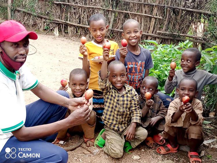 Picture of farmer in Rwanda