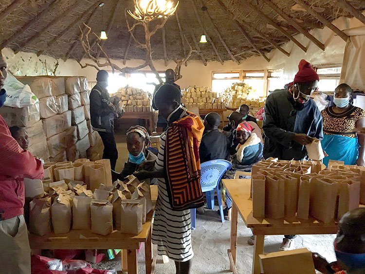 Picture of food distribution in Kenya